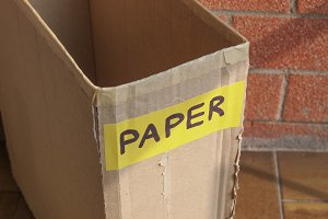 Waste container for paper