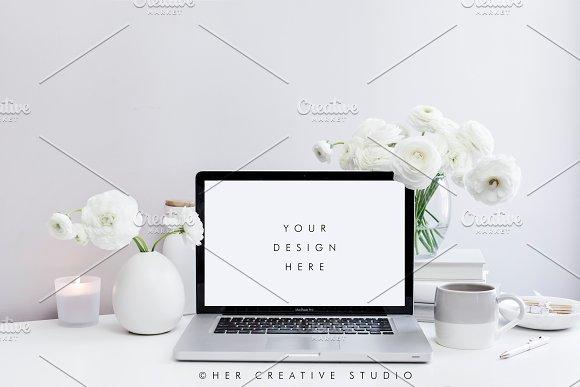 Styled Desktop White Grey