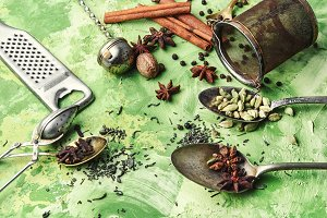 Spices for warming drinks