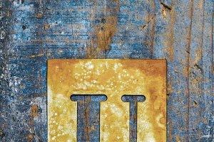 Metallic typography: letter U