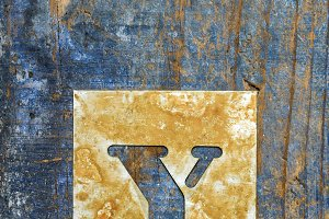 Metallic typography: letter Y