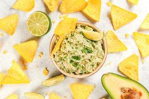 Homemade guacamole & nachos