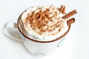 cinnamon latte coffee with cream
