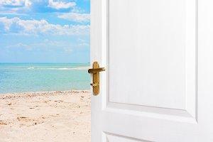 Open doors to the beach