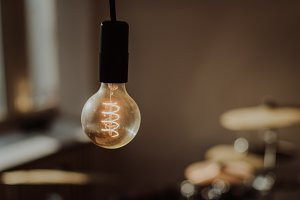 Vintage Kitchen - Light Bulbs