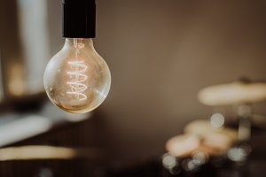 Vintage Light Bulb (Film Look)