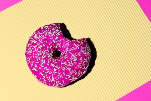 Pink donuts. Fashion Fast food