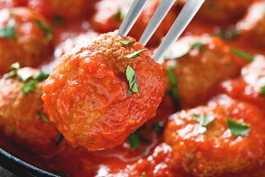 Meatball in tomato sauce
