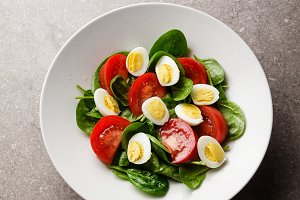 green spring salad with spinach