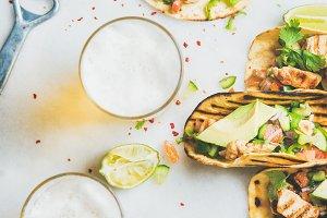 Healthy corn tortillas with chicken