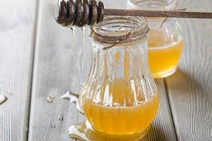 honey in bottles