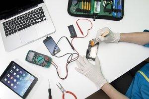 iPhone 4 repairing