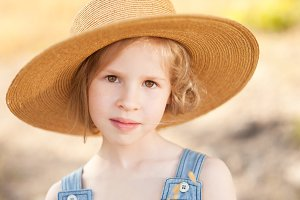 Kid girl wearing hat