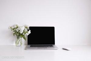 Macbook pro Mockup psd stock photo