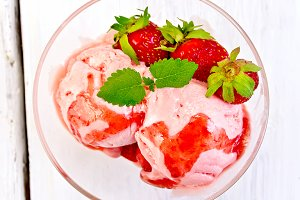Ice cream strawberry with syrup