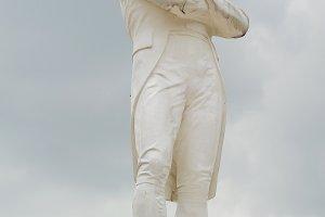 Tomas Stamford Raffles monument