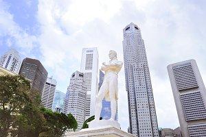Tomas Stamford Raffles statue