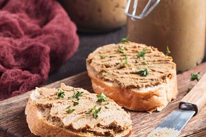 Fresh chicken liver pate