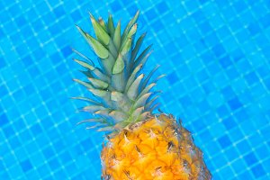 Pinapple in pool