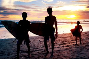 Surfers teenage