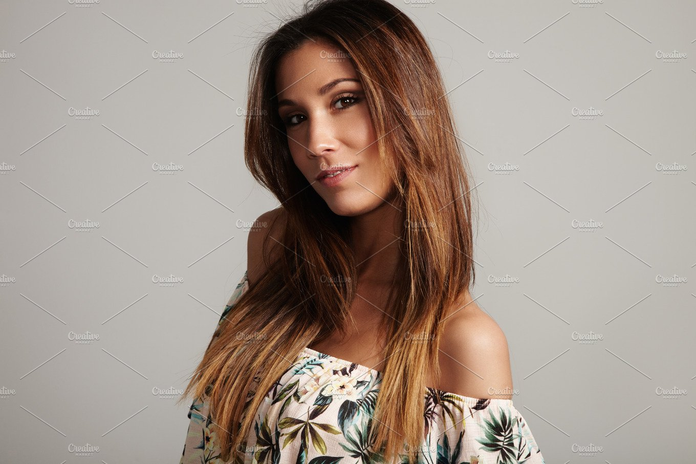 spanish woman with straight hair ~ People Photos
