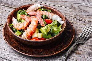 Salad with shrimp,and avocado