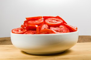 SLices of red tomatoes