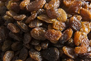 dried raisins superfood