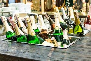 Champagne. Sparkling wine.