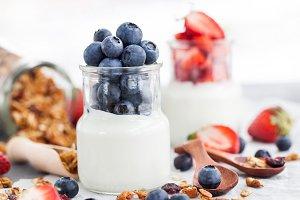 Plain yogurt with fresh berries