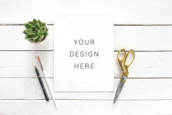 Download Quote mockup gold artist flatlay