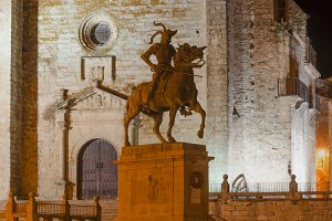 Equestrian statue, Trujillo, Caceres