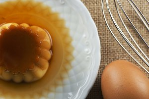Sweet flan and eggs