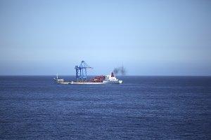 Gantry Crane transport Ship