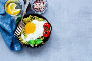 Pasta with fried egg