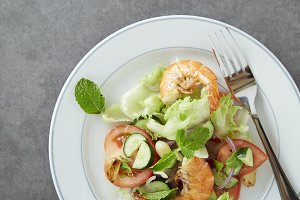 Shrimp salad with cucumber