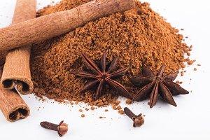 Cinnamon Sticks & Powder