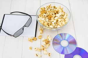 Popcorn and disks and 3D glasses