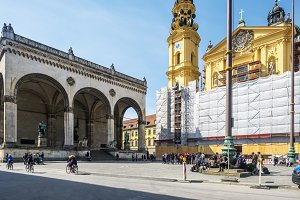 Walking and sightseeing in Munich