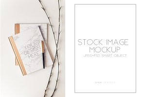 Marble note mockup with branches