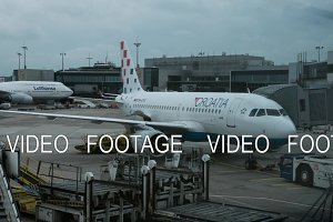 Timelapse of airplane before the flight in Frankfurt airport