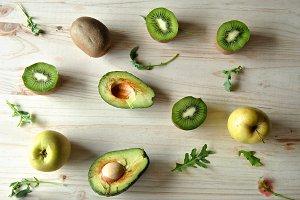 Avocado, kiwi and apples