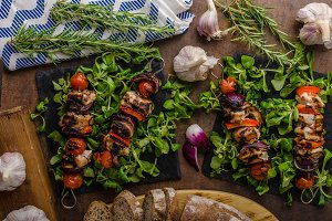 Grilled meat skewer