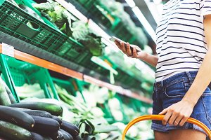 Use smartphones in the supermarket