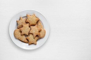 Cookies with sesame in plate