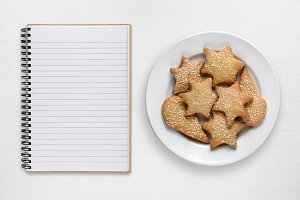 Blank recipe book and cookies