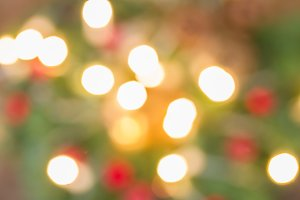 christmas wreath with  bokeh lights
