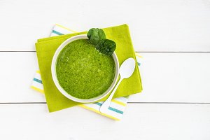 Breakfast Detox Green Smoothie from Banana and Spinach