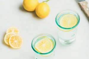 Morning detox lemon water