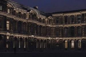 Paris | The Louvre by night